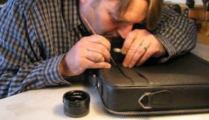 Địa chỉ sửa túi xách LV và thay thế phụ kiện uy tín tại HCM