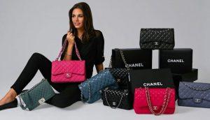 Xem xét cẩn thận về chiếc túi xách hàng hiệu định mua