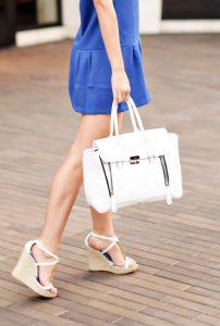 Túi xách màu trắng - đam mê thời trang