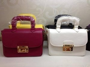 Thiết kế túi xách Miu Miu fake giống hoàn toàn chính hãng