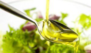 Dùng dầu ăn, dầu ôliu