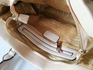 Phân biệt túi xách Prada Milano qua đặc điểm bên trong túi