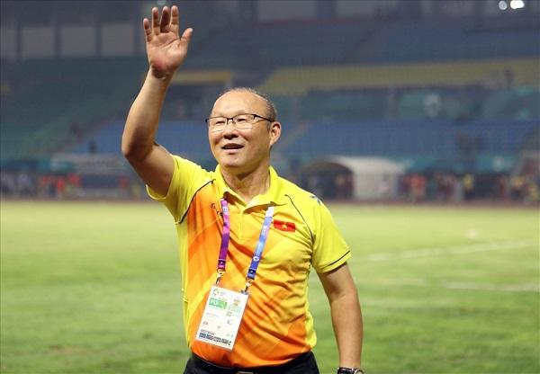 HLV Park Hang Seo nói gì khi tuyển Việt Nam gặp đội bóng quê nhà?