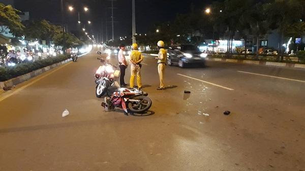 Nam thanh niên kéo lê CSGT hơn chục mét ở Sài GònNam thanh niên kéo lê CSGT hơn chục mét ở Sài GònNam thanh niên kéo lê CSGT hơn chục mét ở Sài GònNam thanh niên kéo lê CSGT hơn chục mét ở Sài Gòn