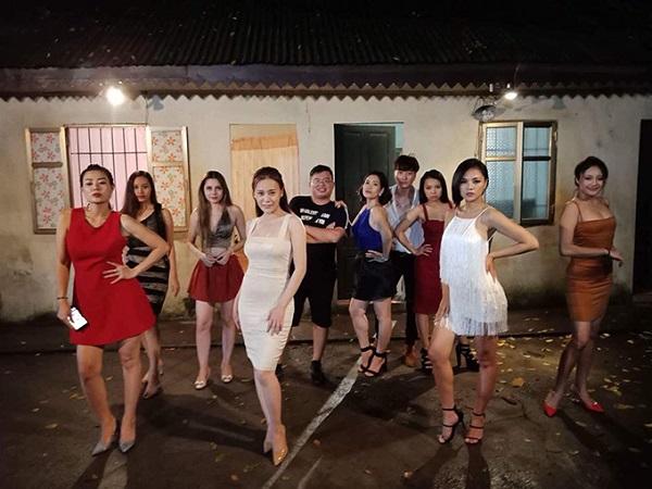 Hé lộ ngoại truyện phim Quỳnh búp bê!