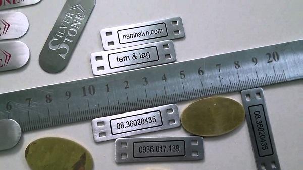 Khắc laser trên kim loại tại Hà Nội giá rẻ lấy ngay