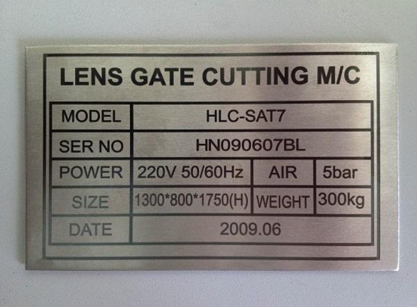 Khắc nhãn mác-logo trên kim loại bằng công nghệ khắc laser