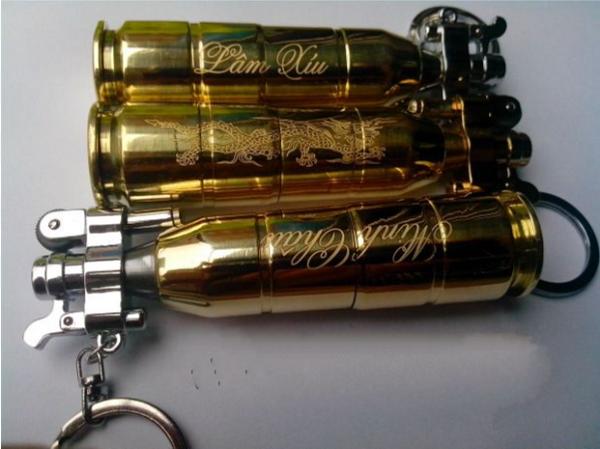 Khắc tên lên móc khóa vỏ đạn theo yêu cầu giá rẻ