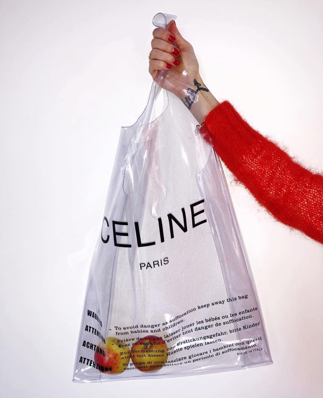 Túi xách nhựa trong được các tín đồ thời trang thích điên cuồng