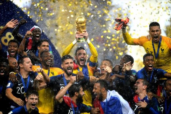 Đương kim vô địch WorldCup 2018 và câu chuyện thời trang?!