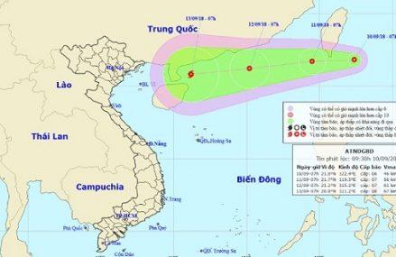 Siêu bão MANGKHUT cùng áp thấp nhiệt đới đang hướng vào Biển Đông