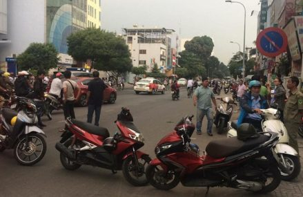 Va chạm giao thông với nhóm sinh viên, thanh niên bị truy sát tử vong